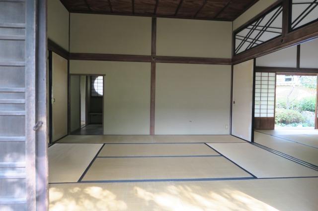 Dieses Zimmer mit Tatamimatten erinnert an die Edo-Ära, Kitsuki, Oita, Japan
