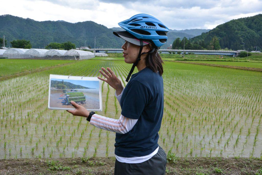 Der Bike Guide erklärte uns alle lokalen Sehenswürdigkeiten in Hida, Gifu, Japan