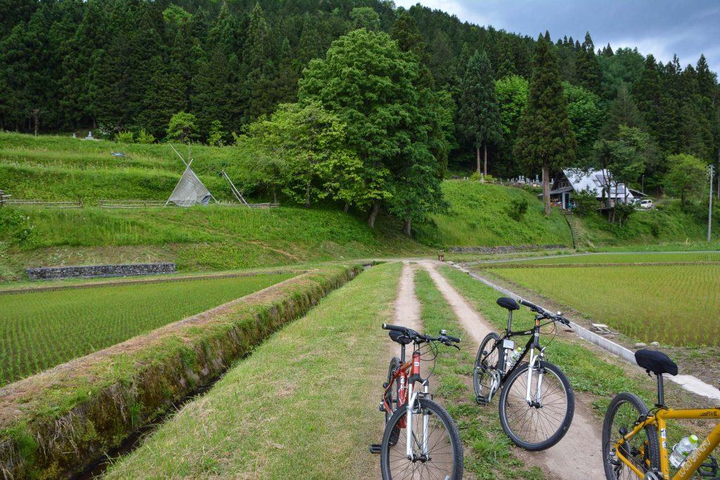 Genießen Sie das Landfahrrad-Erlebnis in Hida Furukawa, Gifu, Japan
