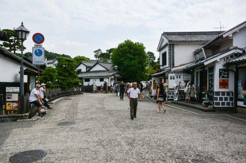Die homogene und ästhetische Architektur der Nachbarschaft, Kurashiki, Bikan, Japan