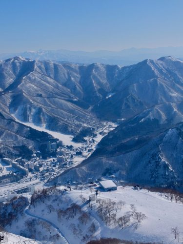 Auf dem Gipfel des Berges Takenokoyama!