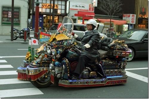 Moto japonesa tuneada dekotora