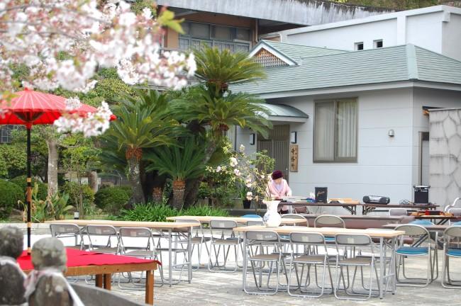 Patio del templo Enmeiji de Nagasaki