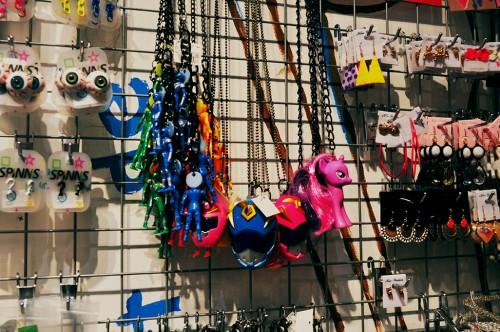 Accesorios Fairy Key japoneses en Hiroshima, creados a partir de juguetes retro