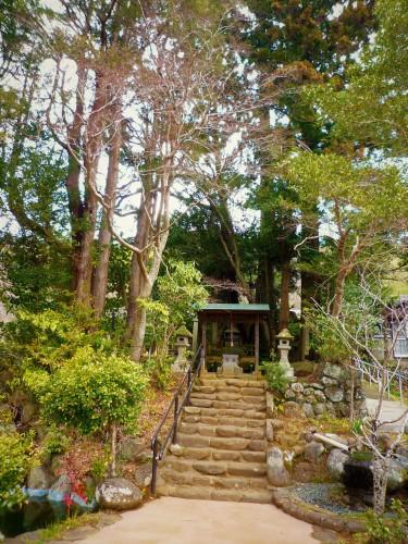 Tumba de Noriyori en Shuzenji, Shizuoka.