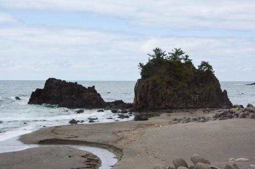 La plage de Goishi donnant sur la mer du Japon à Gatsugi dans la préfecture de Niigata