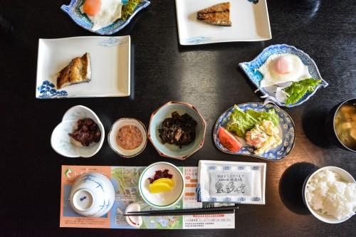 Le petit déjeuner du minshuku takimoto sur l'île de Sado, Niigata