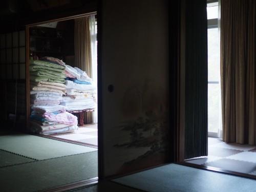 La ferme à Kofuji, sur l'ile de Kysuhu dans la préfecture d'Oita au Japon avec les futons