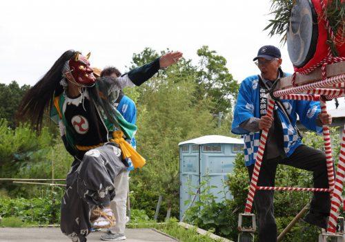 Performance de Ondeko sur l'île de Sado, dans la Préfecture de Niigata, Japon