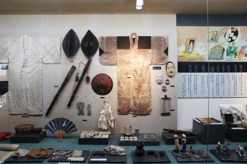 Collection d'objets anciens au Musée du Papier Tosa Washi dans la Préfecture de Kochi, Japon
