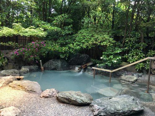Onsen du ryokan Yumeya à Iwamuro, dans la Préfecture de Niigata, Japon