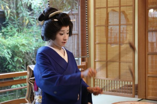 Geisha du quartier de Furumachi dans à Niigata, Japon