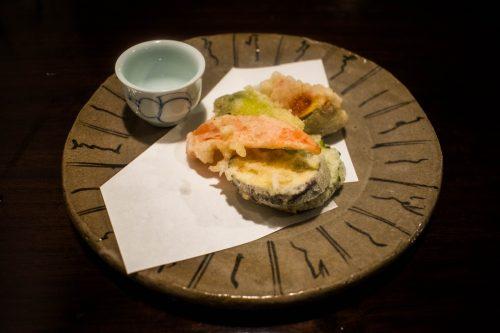 Tempura de légumes au restaurant Yunotake-an à Yufuin, préfecture d'Oita, Japon