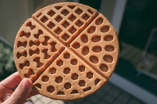 Crispy waffles called Oranda Yaki are popular and they were originally from Holland.