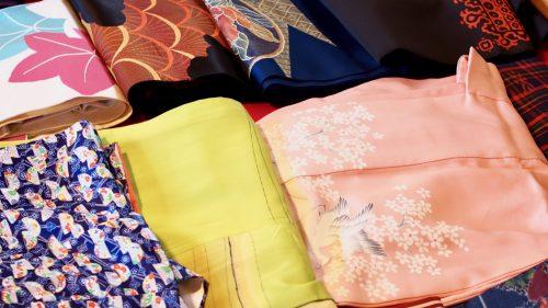 Essayage de kimono dans le quartier des samouraïs à Izumi, Kagoshima, Kyushu, Japon