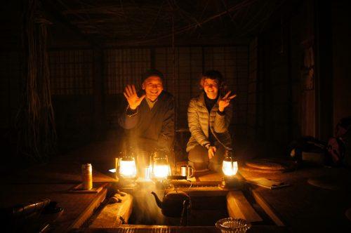 Hajime-san, propriétaire de la Fuben-ya, maison traditionnelle sans électricité ni eau courante dans la région du San'in, Japon