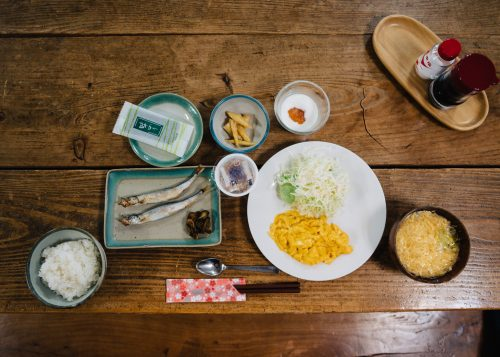 Petit-déjeuner servi à l'auberge Yodel, Semboku, Akita, Japon