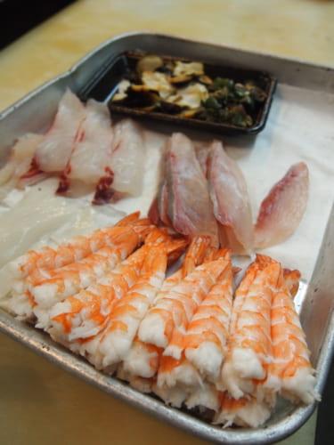 Poissons et crevettes pour sushis