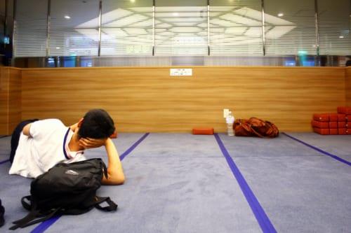 Salle de repos dans le ferry en partance pour Ojika