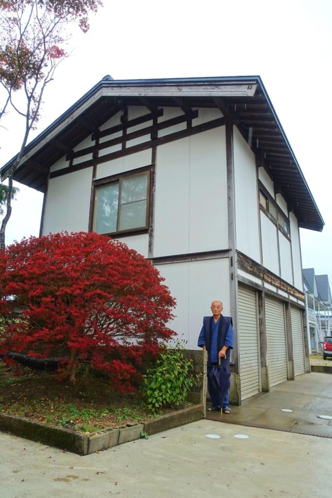 L'atelier Shunpu-Kan et son propriétaire, M. Ono, dans la ville de Yuzawa, prefecture d'Akita