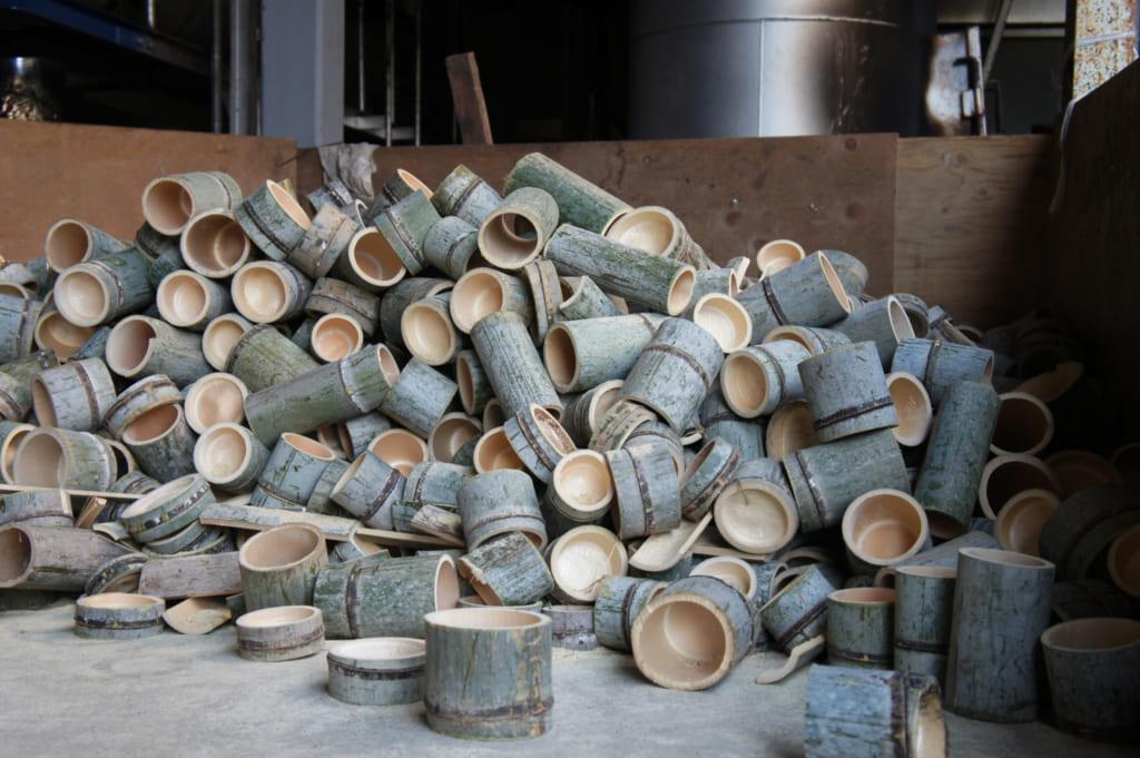 Chutes de bambou prêtes à être brûlées pour produire de l'énergie