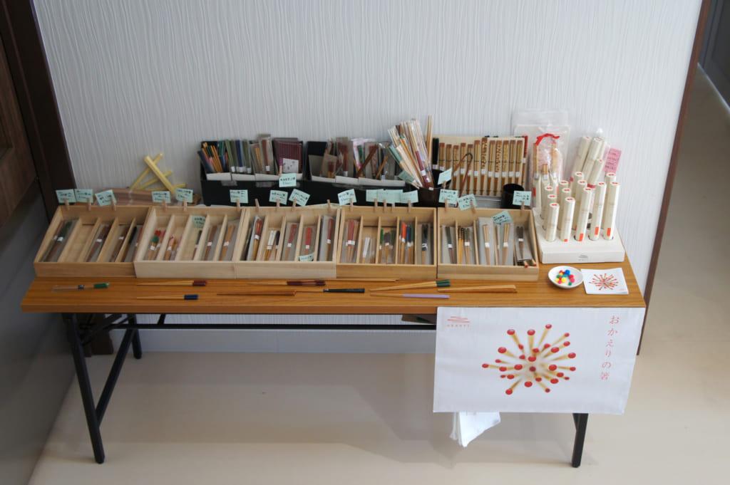 Stand de vente installé à l'entrée de l'atelier de Yamachiku