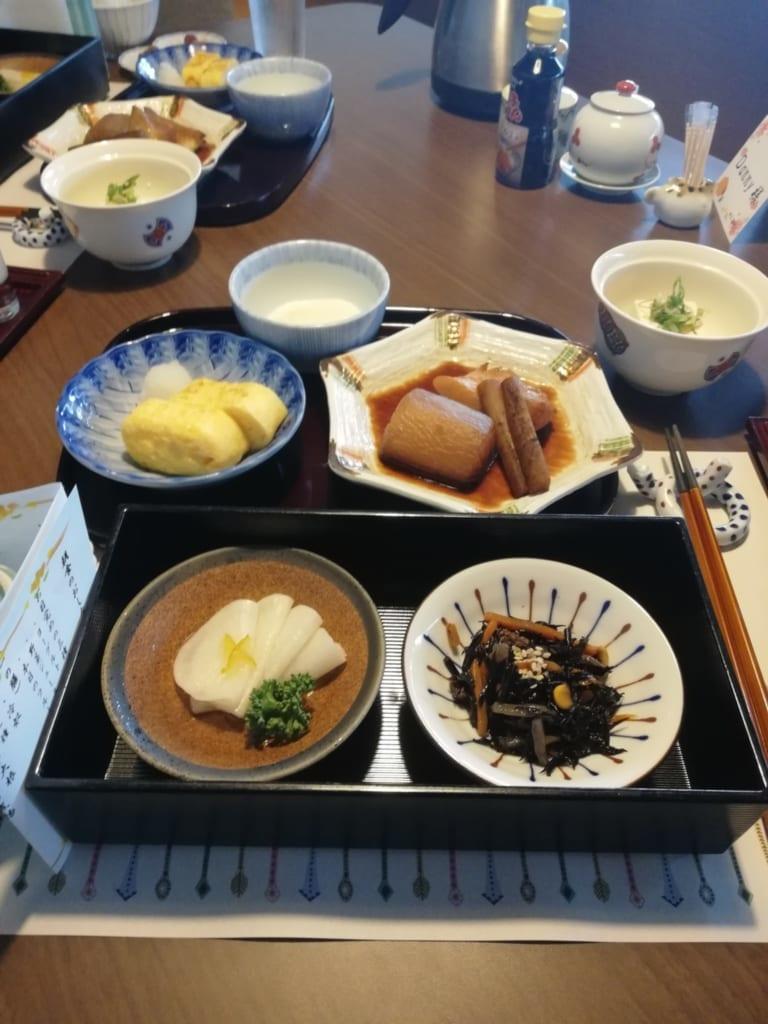 Petit déjeuner japonais du ryokan Kafutei à Kyushu