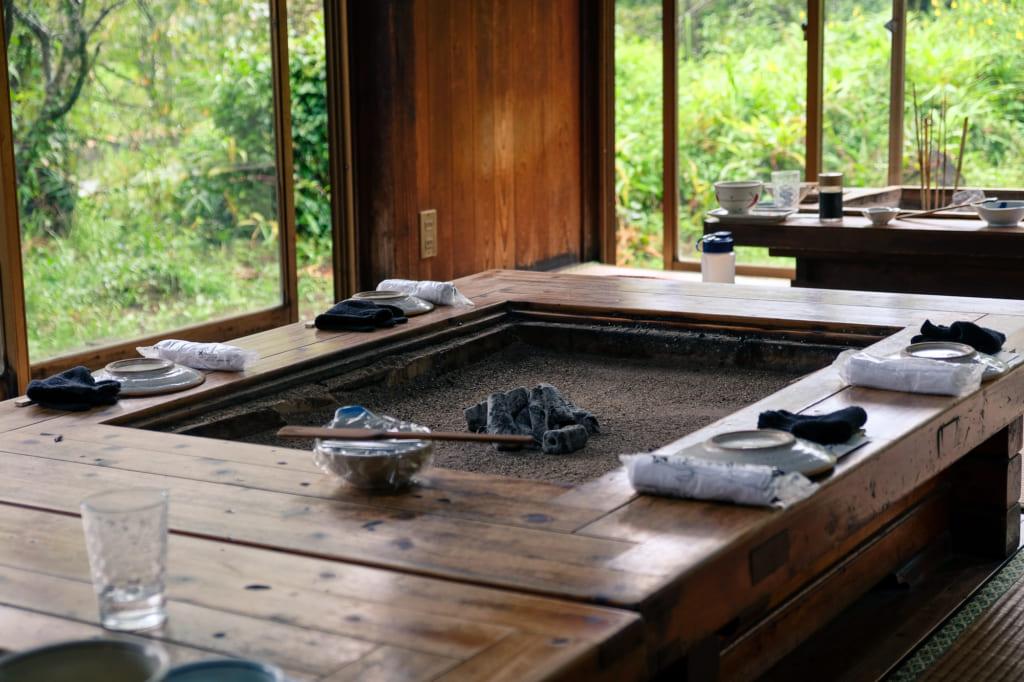 L'ambiance agréable et chaleureuse du Takamori Dengaku Hozonkai