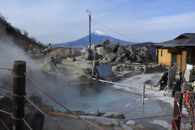 onsen or hot spring in Hakone with Mt Fuji in the background