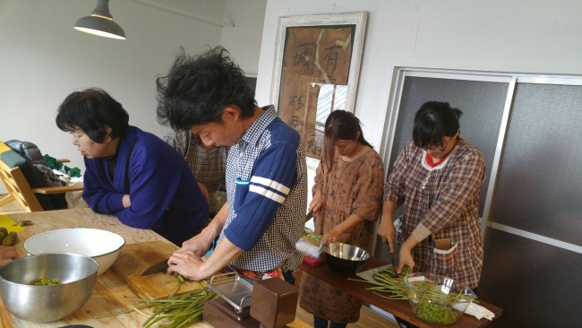 cooking,chopping,wasabi,roots