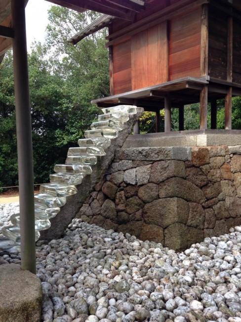 Refitted Naoshima style, Go'o shrine art house catches the island breeze