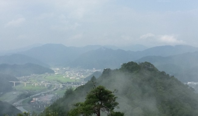Hyogo valley views hiking to Takeda castle summit
