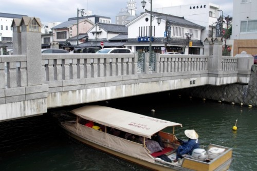 There is also a kotatsu in Japanese boat!