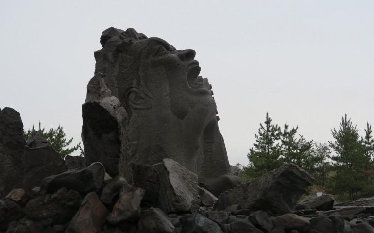 statue,rock,concert,sakurajima,music,monument