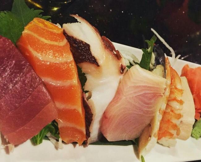 Osaka sashimi, Japanese food with little garnish