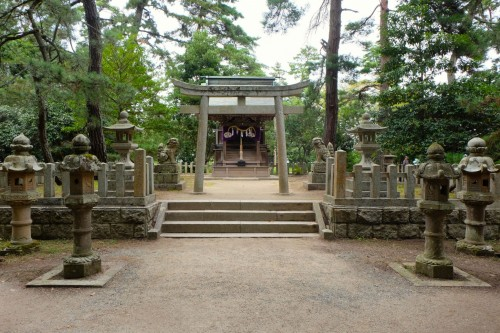 here is Amanohashidate Shrine