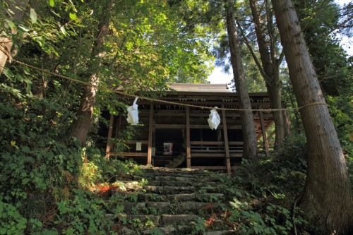 Kosuge Shrine in Iiyama, as seen in summer