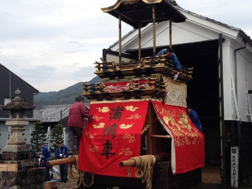 Dashi , a small shrine which we can often see in the festival