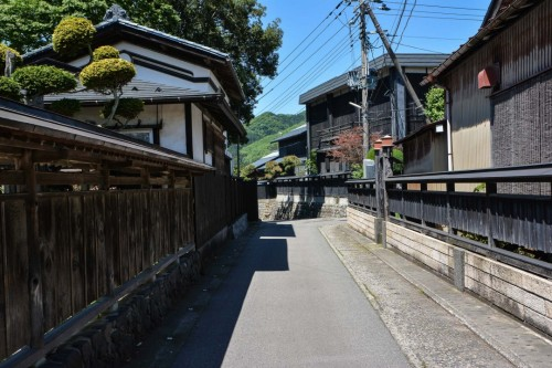 Murakami's Alleys and Streets