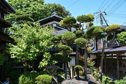 Temple Gardens in Murakami