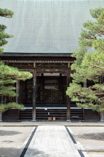 Shinshuji Temple was originally covered with gold leaf located in Hida Furukawa.