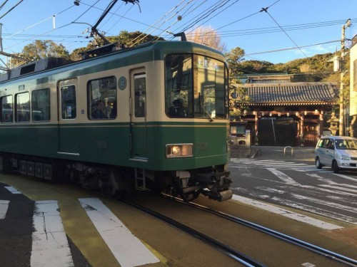 Enoden is running between Kamakura and Enoshima.
