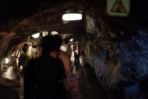 Iwaya caves in Enoshima island also has very great observation points to look at Mount Fuji.