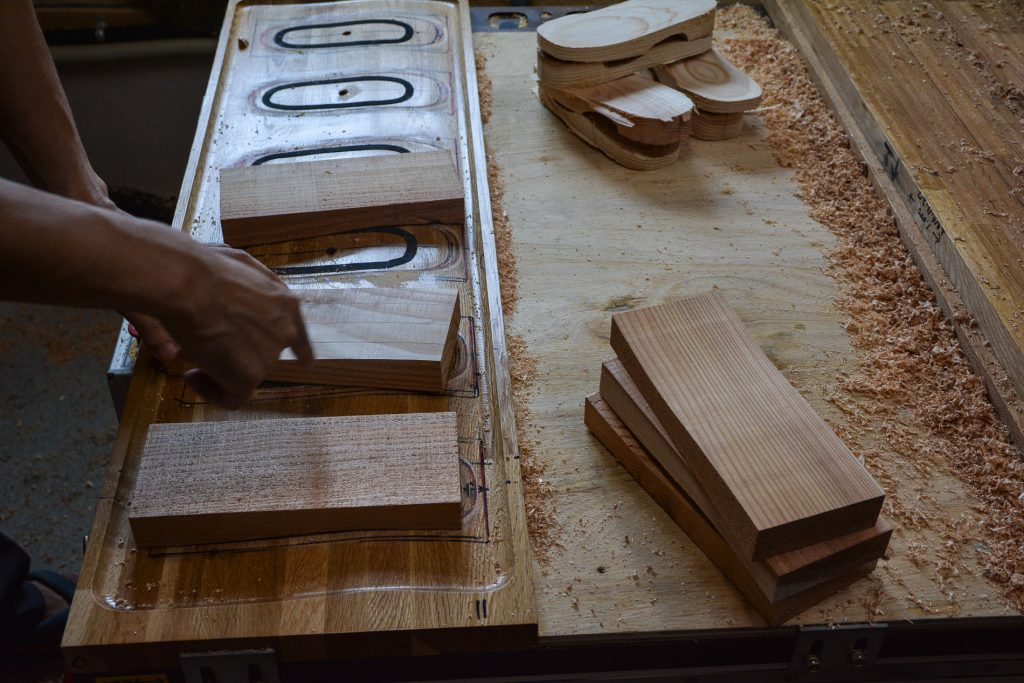 Hita is one of the three largest regions where the traditional method of making Geta has been maintained.