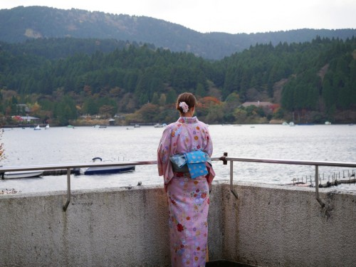 In the heart of Hakone lies Lake Ashi, beautiful landscapes and stunning views of the icon of Japan, Mount Fuji.