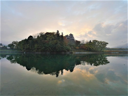 The Reflection of Ozu Castle on the Hijikawa River