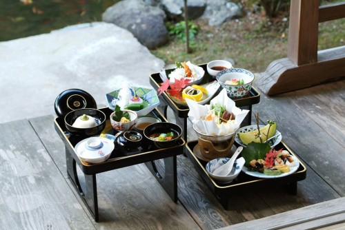 Shojin ryori to taste in a temple in Mount Koya