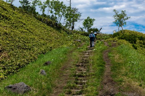Mt. Mokoto Hokkaido Mountain Climbing Hiking Nature Wildlife Flowers Lake Kussharo