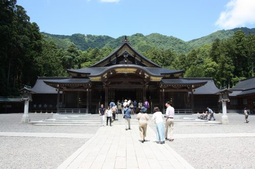 Mt. Yahiko Shrine Hiking Nature Traditional History Iwamuro Onsen Niigata Prefecture