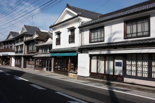 Discover Arita pottery village in Kyushu Island in depth, in Japan.